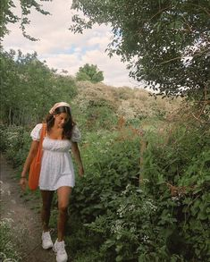 Summer Aesthetic, Aesthetic Fashion, Aesthetic Clothes, Nature Aesthetic, Aesthetic Outfit, Aesthetic Pastel, Aesthetic Grunge, Aesthetic Vintage, Aesthetic Girl