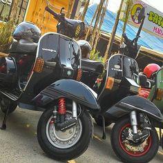 px squad. #vespapx #pxseries #vespa #pxserawung #vespagram #vespaclassic #px150 #kutuvespa #vespamodern #bitubo #newpx #vespalovers #vespaholiday #vespajakarta #piaggio #piaggioindonesia owner : @joshua_widjaja by pxnations