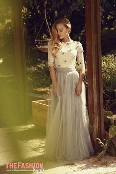 Image from https://fashionbride.files.wordpress.com/2015/08/chana-marelus-bridal-gowns-spring-2016-fashionbride-website-dresses08.jpg?w=639.