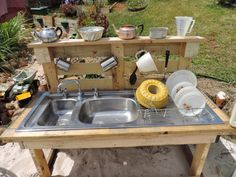 Easy Outdoor Camping Kitchen Ideas for Comfortable Camping Outdoor Kitchen Sink, Outdoor Sinks, Mud Kitchen, Camping Kitchen, Kitchen Ideas, Outdoor Kitchens, Kitchen Cart, Kitchen Decor, Recycled Pallet Furniture