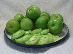 Loving my fried green tomatoes and now I can have them year round Dry Rub Recipes, Old Recipes, Canning Recipes, Veggie Recipes, Healthy Recipes, Canning Green Tomatoes, Canning Vegetables, Red Tomato, Tomatoes