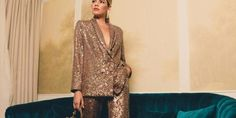 Traje dorado Elle Blogs, Dresses With Sleeves, Long Sleeve, Fashion, Long Sleeve Dresses, Outfits, Moda, Sleeve Dresses, Long Dress Patterns