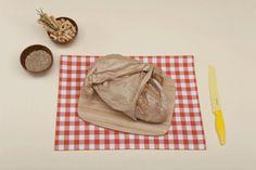Aby właściwie przechować chleb należy go zamrozić. Pokrojony na kromki chleb należy umieścić w torebce przeznaczonej do zamrażania w warunkach domowych. Jeżeli chleb jest mały można go zamrozić w całości. Przechowywany w ten sposób zachowuje swoje właściwości praktycznie bez zmian.  #foxy #optimize #kuchnia #chleb #diy #gif
