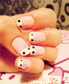 Unha desenhada com carinha de Hello Kitty