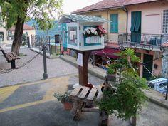 """""""Libera"""" la 2°Mini biblioteca pubblica, chi la chiama la """"Little free library""""del balcone fiorito! creata da Tanja e Gianluca!"""