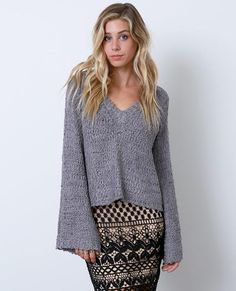 +V-neck textured sweater with bell-sleeves