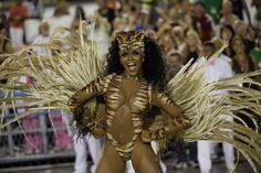 Sambakönigin der Mangueira Sambaschule