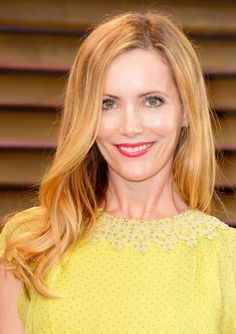 Leslie Mann at the @VANITY FAIR #Oscars Party with Hair by Lona Vigi.