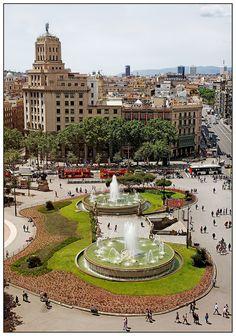 Plaza de Catalunya, Barcelona - Spain. This is an amazing city.