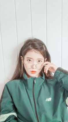 Look at her❤️❤️❤️❤️❤️❤️ Iu Fashion, Korean Fashion, Kpop Girl Groups, Kpop Girls, Korean Beauty, Asian Beauty, Korean Girl, Asian Girl, Korean Idols