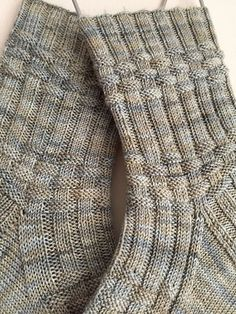 Ravelry: Bill Huggins Muster von Claire Ellen  #claire #ellen #huggins #knitting #knittingcharts #knittingforbeginners #knittingideas #knittingpatterns #knittingprojects #muster #ravelry