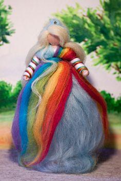Fee aus Märchenwolle, wool fairy, fairy, felt, wool, craft, jahreszeitentisch, märchenwolle, waldorf, Regenbogen, rainbow