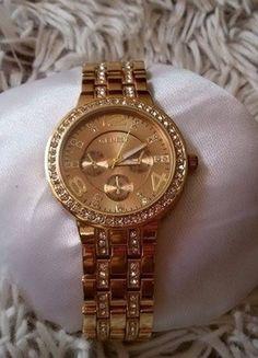 Kupuj mé předměty na #vinted http://www.vinted.cz/doplnky/hodinky/9332944-krasne-zlate-hodinky-se-zlatymi-kaminky