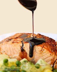 Salmão Teriyaki ~ PANELATERAPIA - Blog de Culinária, Gastronomia e Receitas I Love Food, Good Food, Yummy Food, Sushi Comida, Easy Cooking, Cooking Recipes, Salty Foods, Light Recipes, Food Inspiration