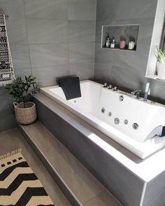 Badrummet är äntligen klart Ikväll blir det första duschen och badet här hemma och det känns helt fantastiskt! Är så stolt över min sambo som är…