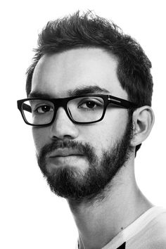 Man on white background, studio photography, black and white portraits, hipster with glasess Wonderful Machine, Black And White Portraits, Girly, Hipster, Studio, Glasses, Pictures, Photography, Fashion