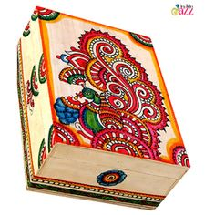 Shop Beautiful Hand Painted Box by The Indian Jazz online. Largest collection of Latest Boxes and Baskets online. Painted Wooden Boxes, Painted Jewelry Boxes, Hand Painted, Madhubani Art, Madhubani Painting, Fabric Painting, Painting On Wood, Kalamkari Painting, Kerala Mural Painting