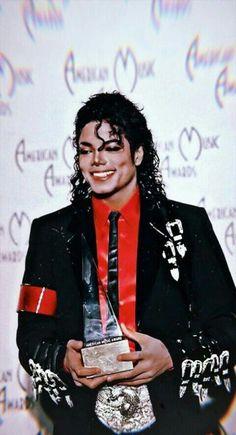 Read Fondos Bad from the story Michael Jackson's Art by xDirrtyPopx (♡) with 270 reads. Michael Jackson Photoshoot, Michael Jackson Bad Era, Michael Jackson Awards, Mj Bad, Bad Boys, Aishwarya Rai Movies, 3t Jackson, Michael Jackson Wallpaper, Memes Funny Faces