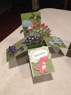 Dinosaurs Card in a Box Boy Cards, Kids Cards, Fancy Fold Cards, Folded Cards, Pop Up Box Cards, Card Boxes, Box Cards Tutorial, Dinosaur Cards, Exploding Box Card