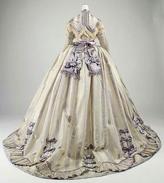 French day dress of pina cloth and silk (circa 1867-69).