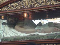 Cristo yacente en Santo Sepulcro. De Manuel, Lico, Rodríguez, Parroquia de San Ramón, Alajuela, Costa Rica