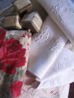 love these vintage linens