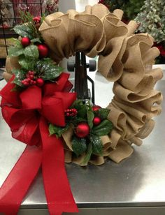 Décor: Best For Burlap Wreath - Christmas Ideas . - Weihnachten ideen - Décor: Best For Burlap Wreath – Christmas Ideas Décor: Wreath Crafts, Diy Wreath, Christmas Projects, Holiday Crafts, Wreath Ideas, Boxwood Wreath, Burlap Wreath Tutorial, Burlap Crafts, Ideas For Christmas