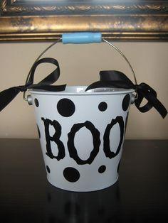 Halloween Bucket with Vinyl Boo and Dots