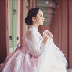 Have you ever thought of Korean fashion or dressing like a Korean celebrity you saw on TV? Or you admire Korean style but you do not know where to start? Korean Traditional Dress, Traditional Fashion, Traditional Dresses, South Korea Fashion, Korea Dress, Modern Hanbok, Oriental Dress, Korean Wedding, Korean Fashion Trends