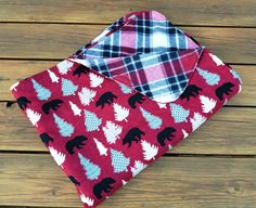 Holiday Throw Blanket, Fleece and Flannel, Holiday Blanket, Bears and Trees, Holiday Quilt, Woodland Blanket, Lap throw, Christmas Blanket by Sew4MyLoves on Etsy