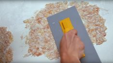 Aplicare tapet lichid pereti Plastic Cutting Board, Office Supplies, Interior Design, Wallpaper, Home, Nest Design, Home Interior Design, Interior Designing, Wallpapers