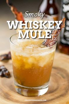 Smoky Whiskey Mule Cocktail - A refreshing and summery whiskey mule cocktail recipe made with ginger beer, whiskey, lemon juice and candied bacon. Bourbon Cocktails, Whiskey Drinks, Cocktail Drinks, Cocktail Recipes, Fall Drinks, Summer Drinks, Whiskey Ginger, Ginger Drink, Good Whiskey