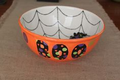 I'm going to make this next Halloween at Bisque It! Halloween Candy Bowl, Halloween Kitchen, Halloween Crafts, Fall Crafts, Halloween Ideas, Diy Crafts, Pottery Bowls, Ceramic Pottery, Pottery Art