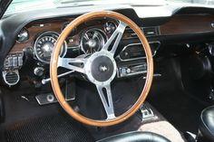 1968 Mustang Dash deluxe Interior