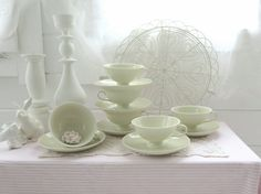 ~○~  5 Tassen in Creme-Weiß, Shabby chic   ~○~ von Weidenröschen auf DaWanda.com