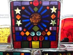 More Stained glass mosaics! Mosaic Glass, Stained Glass, Glass Blocks, Mosaics, Crafts, Colors, Manualidades, Mosaic, Stained Glass Windows