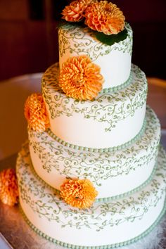 Wedding Cake, orange and sage - PHOTO SOURCE • STACEY ANN PHOTOGRAPHY