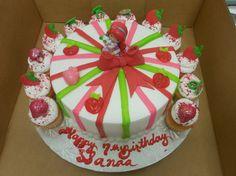 Calumet Bakery Strawberry Shortcake Cake with cupcakes Calumet Bakery, Strawberry Shortcake Birthday, Girl Decor, Decorated Cakes, Birthday Cakes, Cake Decorating, Food Ideas, Oven, Cupcakes