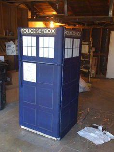 A TARDIS refrigerator! Would repainting my fridge make it bigger on the inside?