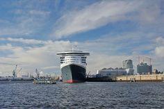 Queen Mary 2 - November 2013 - Hamburg