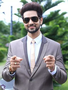 Shakti Arora, Peacock Painting, Sweet Couple, Bollywood Actress, Mens Sunglasses, Handsome, Actresses, Heart Quotes, Actors