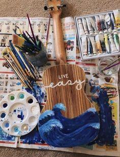 I want to paint my ukulele but I feel like I will mess up. Guitar Painting, Body Painting, Painting & Drawing, Kunst Inspo, Art Inspo, Painted Ukulele, Ukulele Art, Guitar Art Diy, Ukulele Drawing