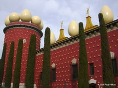 The Dali Museum in Figueres, Spain. One of the craziest museums Ii have ever been to but absolutely fascinating