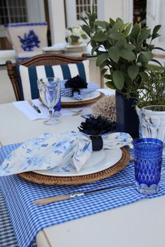 Blue Tablescaping