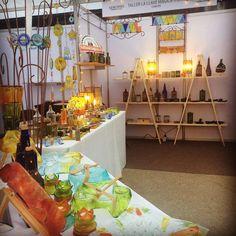 Último día en @manosmaestrascl !! Estaremos hasta las 22:00 hrs. Bar Cart, Table Decorations, Furniture, Home Decor, Glass Bottles, Recycling, Atelier, Studio, Decoration Home