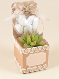 Bomboniera con scatolina di cartone Wedding Favors, Wedding Decorations, Table Decorations, Succulent Party Favors, Thanks Card, Pop Up Cards, Free Wedding, Plant Decor, Nursery Art