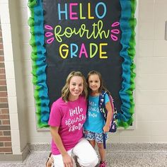 Hello Fourth Grade for momma and Hello First Grade for Cannot believe she is already in first–where I sp… - Decoration For Home First Grade Classroom, New Classroom, Kindergarten Classroom, Classroom Themes, Classroom Wall Decor, Classroom Organization, 1st Day Of School, Beginning Of School, School Fun