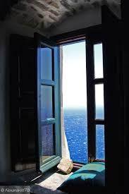 Image result for janelas com vista para o mar