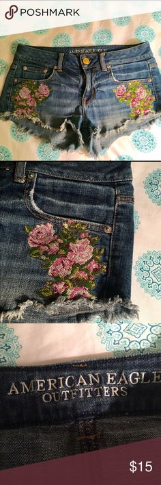 American Eagle Floral Festival Shorts 🌺🌻 Adorable, festival-ready denim cut-off shorts from American Eagle. Floral detailing on either side 🌺🌻 Very soft and stretchy- which is hard to find in jean shorts! American Eagle Outfitters Shorts Jean Shorts