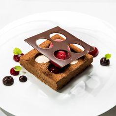 Dessert im Restaurant Le Faubourg im Hotel Sofitel   creme berlin